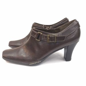 Aerosoles brown leather ankle boots size 7.5